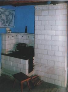Kaflowa kuchnia i piec w izbie łowickiej