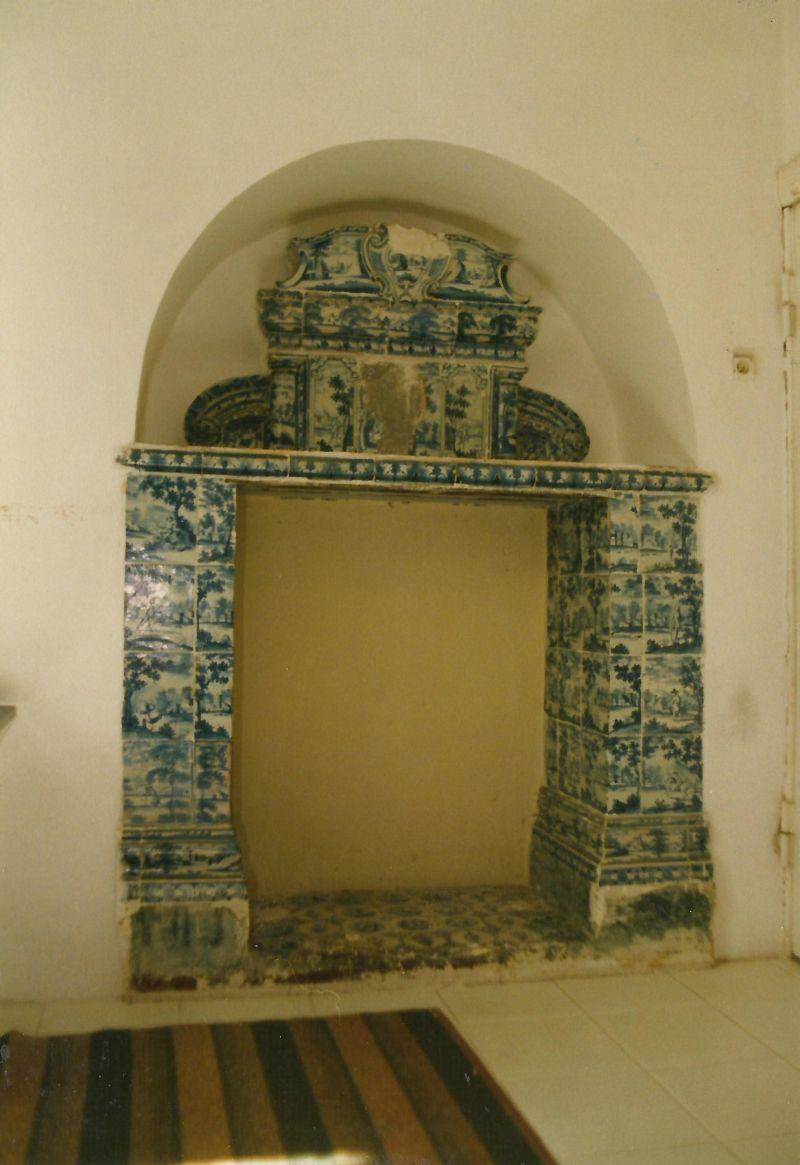 kominek neobarokowy pałac Mosty