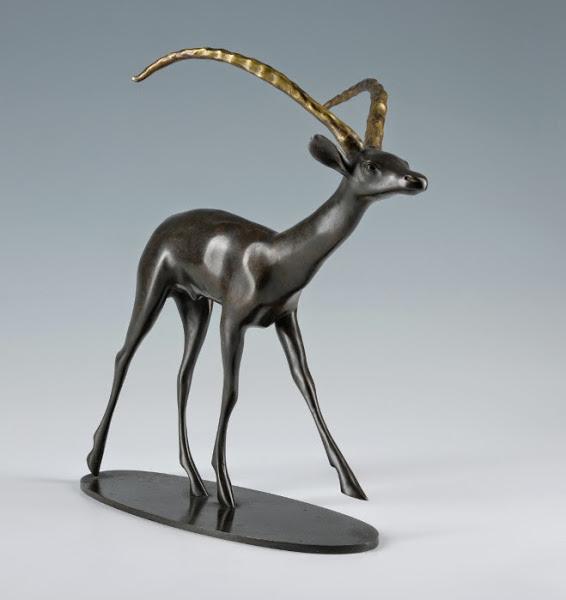 maison-du-danemark-jean-rene-gauguin-antilope-sabre-tete-levee_large