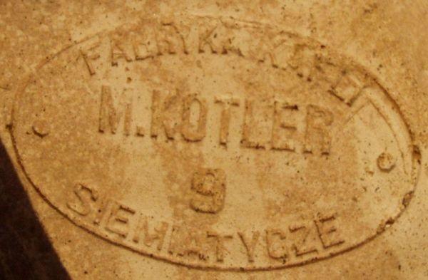 Symbol-z-kaflarni-M-Kotlera-fot-Marcin-Korniluk